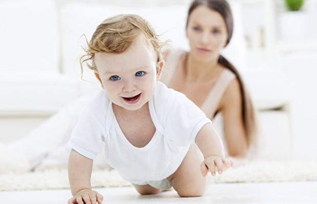 emekleme dönemi, bebeklerde emekleme, bebeklerin emekleme dönemleri