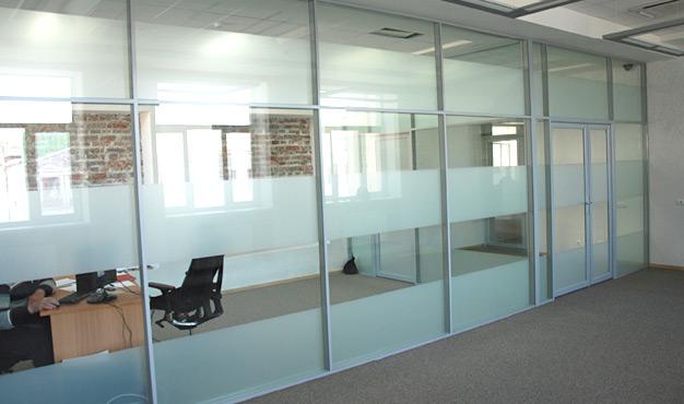 ofis içi bölme sistemleri, ofis bölme sistemi kullanımı, ofis bölme sistemlerinin faydaları