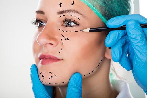 Estetik Operasyonlar Ve Belirleyici Unsurlar