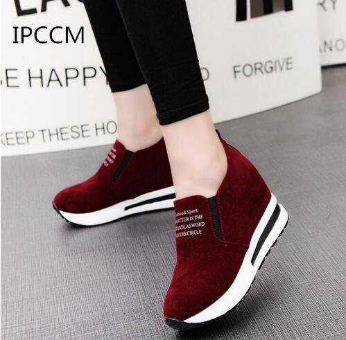 Kadınların Ayakkabı Seçeneği Çok